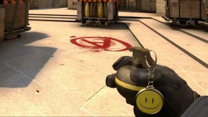 В CS:GO может появиться возможность дропнуть свои гранаты