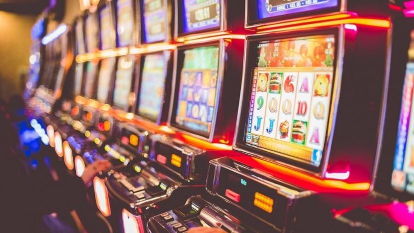 Игровые автоматы на реальные деньги: особенности и принцип игры