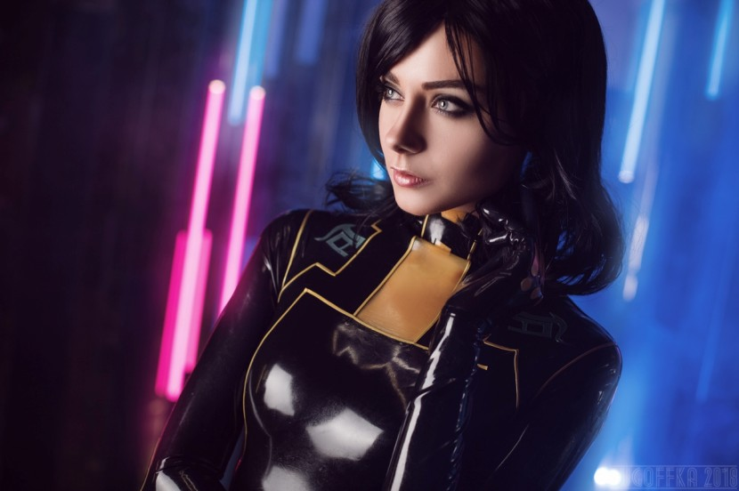 Косплей Миранда — Mass Effect