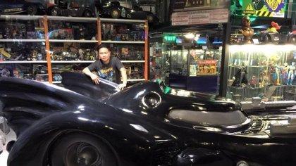 Таиландец имеет самую огромную коллекцию вещей, связанных с Бэтменом