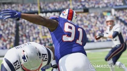 При покупке Xbox One в магазине Microsoft можно бесплатно получить игру Madden NFL 20
