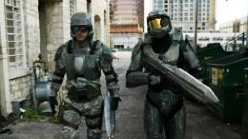 Репортеры Китая о вооружении США и костюме Мастера Чифа